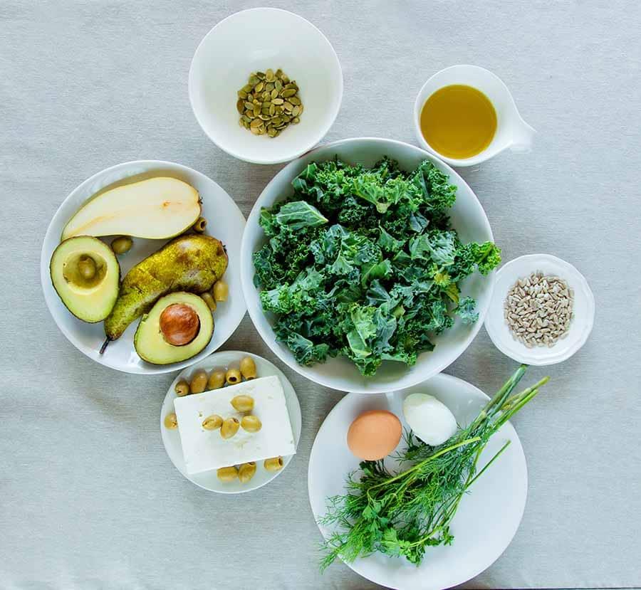 Продукти за пречистване на тялото от токсини. Зеленолистни зеленчуци, авокадо, зелени маслини, тиквени семена.